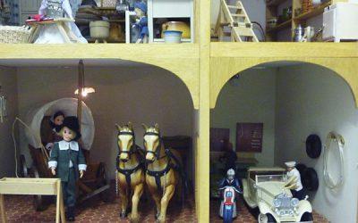 Puppenhaus - Remise und Garage